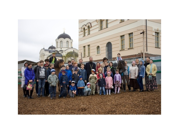 Поездка воскресной школы в православный конный клуб в Сынково