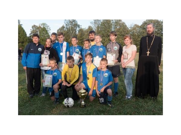 """Успешное выступление футбольной команды """"Знамение"""" нашей воскресной школы"""